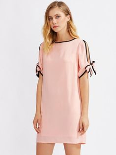 To find out about the Contrast Binding Split Tie Sleeve Dress at SHEIN, part of our latest Dresses ready to shop online today! Simple Long Dress, Simple Dresses, Pretty Dresses, Stylish Clothes For Women, Casual Dresses For Women, Dress Outfits, Fashion Dresses, Dress Patterns, Ideias Fashion