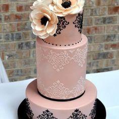"""76 kedvelés, 2 hozzászólás – Wedding and Event Calligrapher (@calligraphybyjennifer) Instagram-hozzászólása: """"The perfect blush pink and and black cake from www.honeycrumb.com #pinkandblack #cakesofinstagram…"""""""