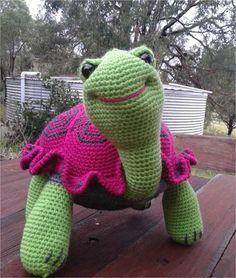 Comme un cadeau de Saint Valentin à vous, je tenais à partager le crochet patron gratuit pour les tortues par Linda présent précédemment sur ce blog.