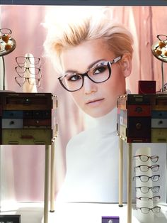 Nieuwe etalage bij Varilux Center Optiek Van der Linden te Zele. http://www.optiekvanderlinden.be/multifocale_brilleglazen.html  https://www.facebook.com/Optiek.VanderLinden Don't forget to LIKE and SHARE  #optiek #shopwindow #optiekvanderlinden #storedisplay #retail #visualmerchandising #retaildisplay #vanderlindenzele  #windowdressing #windowsdisplay #windowshopping #eyewear #eyewearfashion #eyeglasses #jfrey #dior #dioreyewear #varilux #variluxcenter #faceaface #faceaface_paris
