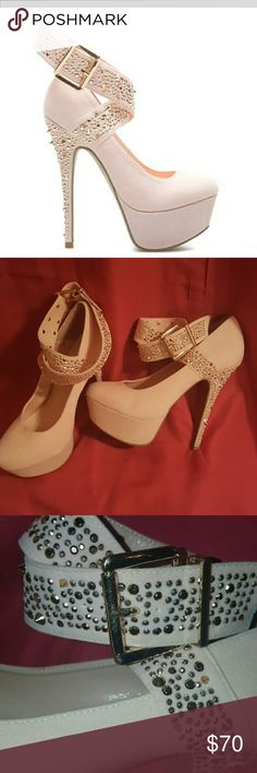 SALE!! Pink cassy!! Dazzle the girls!! Fabulousness! Gently used in great condition! Shoe Dazzle Shoes Heels