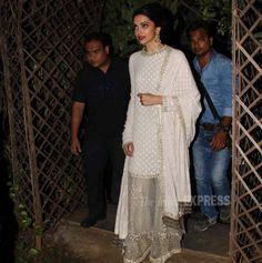 Deepika Padukone arriving to launch Bajirao Mastani