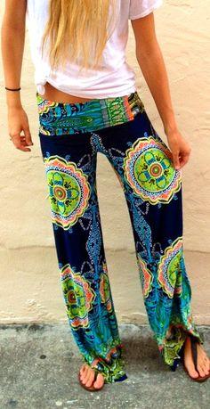 http://ep.yimg.com/ay/yhst-136881936454944/st-tropez-palazzo-pants-3.gif