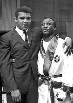 Muhammad Ali & Joe Frazier together during Olympic Boxing (when Joe was A Member of The Team). Who Knew Years Later These Friends would become staunch Rivals & put on three of the Greatest Heavyweight Fights of ALL TIME! Muhammad Ali, Kickboxing, Muay Thai, Jiu Jitsu, Laila Ali, Photo Star, Boxing History, Float Like A Butterfly, Boxing Champions