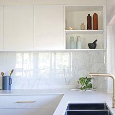 Brass tap. Marble tile splashback 1200x600. Porcelain benchtop. Brass kitchen handles Splashback, Interior Inspiration, Kitchens, Kitchen Cabinets, Interiors, The Originals, Modern, Table, Furniture