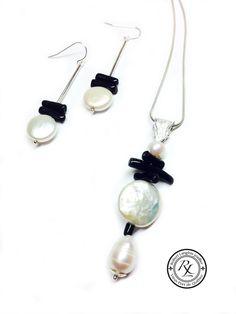 Don offert à la fondation sourdine  La classique de golf 2014.  Création de pendentif et boucle oreille argent,perle et corail noir.