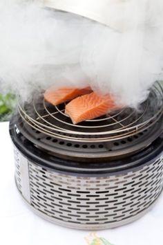 Een bijzondere belevenis is roken met je Cobb, eenvoudig met een handjevol rookpellets! - Mijn Cobb Cobb Cooker, Cobb Bbq, Barbecue, Grilling, Food, Everything, Bbq, Meal, Hoods