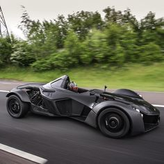 いいね!1,875件、コメント35件 ― Oliver Webbさん(@oliverjameswebb)のInstagramアカウント: 「Back in the black knight today @DiscoverMono! : @riadarianemedia #supercar #hypercar #racing…」