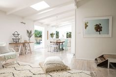 Bonnie Hindmarsh of Three Birds Renovations, has transformed her family's beach shack into an enviable holiday haven. Beach Cottage Style, Beach House, White Washed Floors, Three Birds Renovations, Pearl Beach, Beach Shack, Surf Shack, Decoration Inspiration, Home Reno