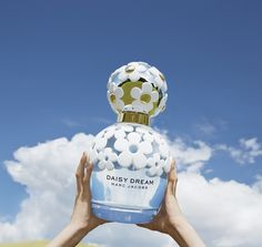 JUST ARRIVED: MARC JACOBS DAISY DREAM Get your hands on the stunning new fragrance, ready for summer!