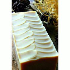 Jabón intimo de yogurt griego infusiones de Tomillo y Salvia  con esenciales de lavanda y árbol de té. Intimate soap of tea tree and  greek yogurt.  #handmade #handmadesoap #soap #soapmaker #coldprocesssoap #coldprocess #soaping #savon #sabonsbarcelona #jabonesartesanales #jabonesnaturales #naturalsoap #naturalproducts #jabones #artisansoap #body #bath #hechoamano #handmade #homemadesoap #goodmorning #buenosdias #diy #madeinbarcelona#soapshare #brambleberry #greekyogurt by jabones_karuna