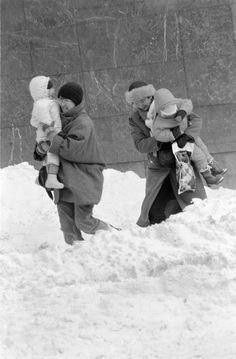 Emlékeztek még az 1986-os igazi nagy télre? | nlc Retro Kids, Hungary, Budapest, Vintage Photos, Couple Photos, Winter, Couple Shots, Winter Time, Old Photos
