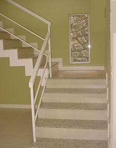 Farmhouse stairs railing diy ideas for 2019 Farmhouse Stairs, Farmhouse Fireplace, Modern Farmhouse Decor, Staircase Railing Design, Outdoor Stair Railing, Living Room Decor Fireplace, Tiny House Stairs, Fixer Upper House, Concrete Stairs