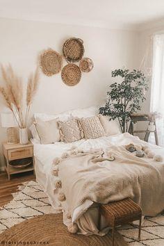Neutral Bedroom Decor, Earthy Bedroom, Comfy Bedroom, Room Design Bedroom, Room Ideas Bedroom, Aesthetic Bedroom, Home Decor Bedroom, Bedroom Inspo, Cozy Room