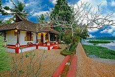 Stay in independent, homely, waterfront villas run by a family, on a beautiful farm island, in the backwaters of Kerala. Old House Design, Village House Design, Kerala House Design, Village Houses, Kerala Traditional House, Traditional House Plans, Traditional Ideas, Cabana, Indian Living Rooms