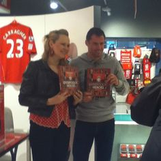 Jamie Carragher at our signing session for new book Liverpool FC Heroes by Ragnhild Lund Anses Merseyshop.com
