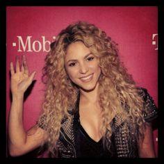 ¿Shakira? Mi ídolo <3 la persona que me ha acompañado en esos momentos difíciles con sus canciones #Shakira #LuvHer