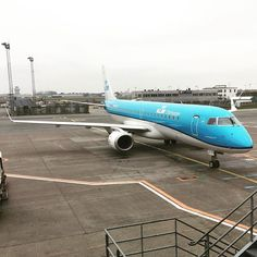 #thenetherlands #hereicome #schiphol #kastrup #airplane #klm #embraer190 #embraer #cityhopper #plane #outofoffice #copenhagen #denmark #omw #goinghome #traveling #cph #ams