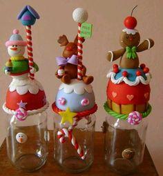 Frascos Christmas Jars, Christmas Crafts, Christmas Decorations, Holiday Decor, Polymer Clay Ornaments, Polymer Clay Crafts, Clay Jar, Diy Y Manualidades, Polymer Clay Christmas