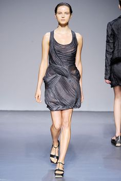 Calvin Klein Collection Spring 2010 Ready-to-Wear - Collection - Gallery - Style.com