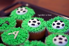 Soccer cupcakes Soccer Cupcakes, Rome, Birthdays, Birthday Parties, Party Ideas, Desserts, Anniversary Parties, Football Cupcakes, Birthday Celebrations