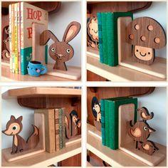 Apoio de livros de madeira