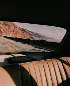 Image shared by JUST STOP UR CRYING. Find images and videos about summer, vintage and aesthetic on We Heart It - the app to get lost in what you love. Images Esthétiques, Design Visual, Damien Chazelle, Malibu, Aesthetic Vintage, Beige Aesthetic, Summer Aesthetic, Travel Aesthetic, Vintage Vibes