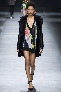 Versace Autumn/Winter 2016 - 2017 FW/16 17 Ready To Wear Milan Fashion Week #MFW