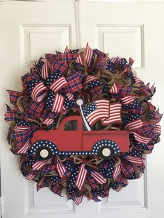 This Red Truck Wreath is perfect for any patriotic holiday or use it anytime of the year. Rag Wreaths, Deco Mesh Wreaths, Patriotic Wreath, 4th Of July Wreath, Cute Crafts, Diy Crafts, Military Wreath, Paper Mesh, American Flag Wreath