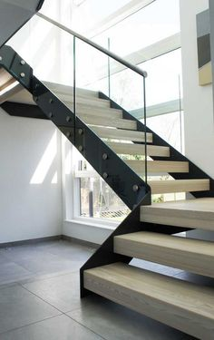 escalier quart tournant moderne maison architecte spacieuse #stairs #models