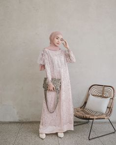 Model Dress brukat untuk lebaran 2020 – ND Dress Brukat, Hijab Dress Party, Kebaya Dress, Dress Pesta, Batik Dress, The Dress, Dress Outfits, Dress Brokat Muslim, Dress Brokat Modern
