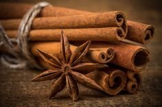 Close up of cinnamon sticks and star anise on rustic wood background // by Roman Tsubin Christmas Baking, Christmas Time, Christmas Food Photography, Masala Powder Recipe, Rustic Wood Background, Spices And Herbs, Star Anise, Pumpkin Crafts, Spice Mixes