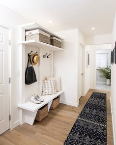 Mudroom Laundry Room, Laundry Room Design, Entryway Storage, Entryway Furniture, Small Mudroom Ideas, Entry Way Design, Cheap Home Decor, Home Projects, Home Remodeling