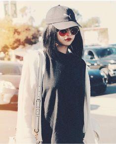 Selena as Puma's model Selena Gomez Fotos, Selena Gomez Cute, Selena Gomez Style, Fashion Model Poses, Fashion Models, Fashion Outfits, Womens Fashion, Celebrities Fashion, Cinderella Story