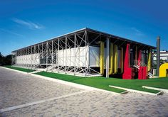B&B Italia headquarters designed by Renzo Piano and Richard Rogers | This year, the brand B&B Italia, feather in the cap of Italian design, celebrates its 50th birthday. And since its beginnings, B&B Italia has always stood out for its innovation, research, passion and business acumen. @bebitalia