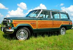 Jeep Wagoneer - oh, I want that.