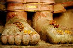 buddha's feet  flickr.com