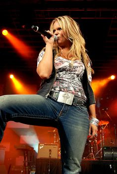 Miranda Lambert I want some country pussy Between your Legs Baby Doll Miranda Lambert Photos, Blake Shelton Miranda Lambert, Country Female Singers, Country Music Artists, Country Music Stars, Shakira, Miranda Blake, Divas, Blond