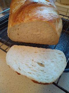 Kovászos fehérkenyér - Gyönyörű a textúrája, friss-ropogós a héja! - Ketkes.com Love Eat, Cheesecake, Food And Drink, Baking, Healthy, Recipes, Basket, Fimo, Brot