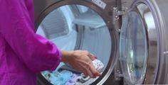 Perché mettere una palla di foglio di alluminio in lavatrice? Il motivo è davvero brillante! LEGGI