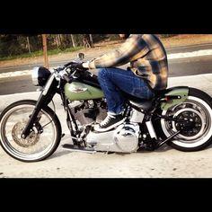 Very Nice softail bobber! nice n low Softail Bobber, Bobber Bikes, Harley Bobber, Harley Softail, Harley Bikes, Bobber Motorcycle, Harley Davidson Seats, Motos Harley Davidson, Baggers