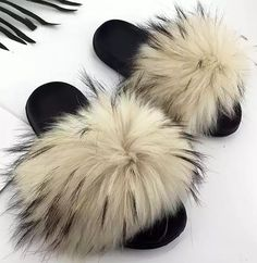 Real Fox Fur Slides Wholesale Furry Sliders Women Ladies Fur Slippers hand mada amazing Quality - Miss. Fur Heels, Socks And Heels, Wedding High Heels, Fluffy Slides, Super High Heels, Beach Flip Flops, Ciabatta, Fox Fur, Womens Slippers