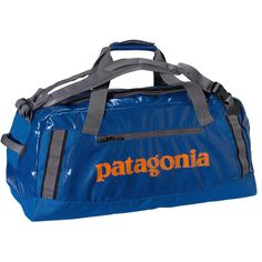water-resistant and super durable duffel for traveling
