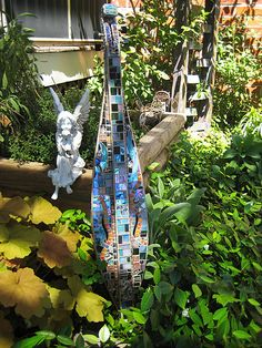 dulcimer  http://catbounds.blogspot.com.au/search?updated-min=2012-01-01T00:00:00-08:00=2013-01-01T00:00:00-08:00=9#
