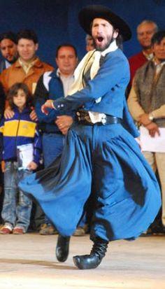 MALAMBO, tipico baile de destreza en el zapateo, que hace el gaucho.