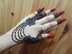 Mehndi is something that every girl want. Arabic mehndi design is another beautiful mehndi design. We will show Arabic Mehndi Designs. Latest Henna Designs, Simple Arabic Mehndi Designs, Full Hand Mehndi Designs, Stylish Mehndi Designs, Mehndi Design Photos, Mehndi Simple, Mehndi Designs For Fingers, Beautiful Mehndi Design, Best Mehndi Designs