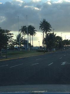 Aeropuerto Internacional Luis Muñoz Marín (domingo) 4:18pm