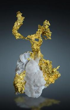Native Gold - Eagle's Nest Mine, Placer Co., California, USA Size: 6.4 x 3.6 x 2.0 cm