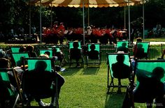 Hyde Park Chairs by Jay Maisel again. Cool silhouette