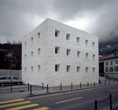 Das Gelbe Haus VALERIO OLGIATI